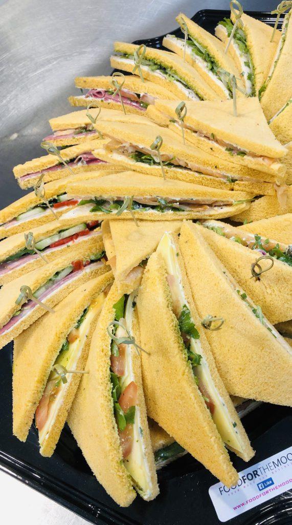 Sandwich plateau